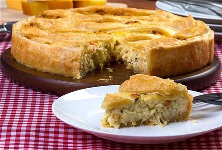 Torta folhada de frango com catupiry - 100,00 (25cm - 1,3kg)
