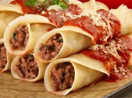 Crêpes de carne ao molho pomodoro - 15,00 cada - mínimo 4 un.