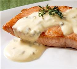 Filet de salmão ao brie, alcaparras e nozes - 98,00 (500g)