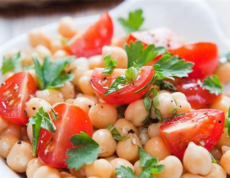 Salada de grão de bico - 10,00 (100g) - mínimo 500g