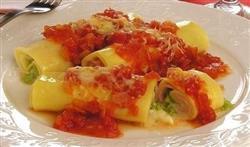 Cannelloni mussarela, alho poró e pomodoro 7,50 cada - mínimo 4 un.